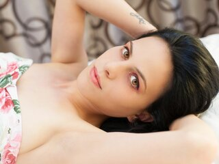 CrazyMiracle shows real camshow
